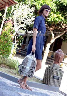 Рюкзак, размеры: 37 х 27 х 12. Цена: 10200 рублей.  📲 По всем вопросам заказа и доставки пишите в WhatsApp/ Viber/ SmS +79036678272 Виктория. 🎀Доставка напрямую с острова Бали по всему миру, в любые города и страны в течение 7-10 дней, курьером до двери✈📦🏩 #питон #рюкзак #рюкзаки #питонрюкзак #balisnake #модный #модно #купитьрюкзак #бали #изпитона #питона