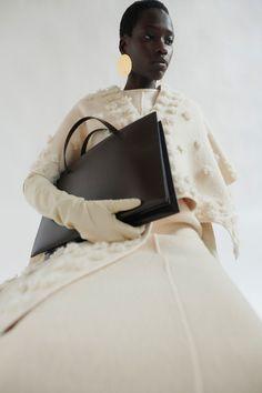 Fashion Catalogue, Fashion Show Collection, Jil Sander, Fashion Games, Fashion News, Women's Fashion, Autumn Winter Fashion, Fall Winter, Victor And Rolf