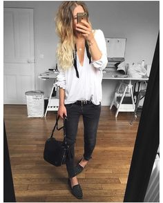 Blouse/jean ✔ blouse #eponymcreation sur @meleponym jean #aninebing (old) ceinture et loafers #thekooples sur @thekooplesofficial