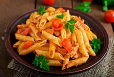 Healthy Recipes On A Budget, Healthy Meals For Kids, Healthy Breakfast Recipes, Healthy Pasta Sauces, Healthy Pastas, Homemade Tomato Sauce, Sauce Tomate, Jamaican Recipes, Chicken Breasts