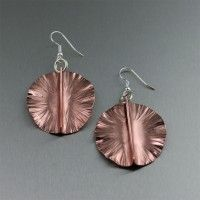 Fold Formed Copper Lily Pad Earrings. Relaxed sophistication http://www.ilovecopperjewelry.com/fold-formed-copper-lily-pad-earrings.html $40.00