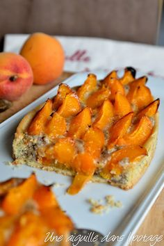 Tarte à l'abricot et crème de noisette - à essayer aussi avec des nectarines rezepte apfelkuchen kuchen nachtisch frühstück calorie meals calorie recipes Low Calorie Vegetarian Recipes, No Calorie Foods, Healthy Dessert Recipes, Healthy Chicken Recipes, Healthy Foods To Eat, Healthy Snacks, Dinner Recipes, Vegetarian Snacks, Dinner Healthy