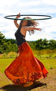 Hula Hooping Nurse Nicole Colindres | hooping.org