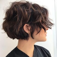 Short wavy hair is trendy, classy and versatile. In fact, short wavy hairstyles will always look unique and sexy. From the short wavy bob to layered shoulder-length waves to styles…View Short Wavy Hairstyles For Women, Haircuts For Wavy Hair, Girls Short Haircuts, Short Layered Haircuts, Haircut For Thick Hair, Short Curly Hair, Curly Hair Styles, Short Hair For Girls, Pixie Wavy Hair