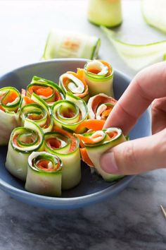 Last Minute Party Recipes - Fun and Easy Ideas for Parties - Smoked Salmon Cucumber Roll Ups