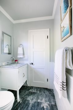 Photography : Mary Costa Photography Read More on SMP: http://www.stylemepretty.com/living/2017/01/11/designer-secrets-to-a-beautifully-styled-bathroom/