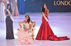 Miss South Africa and the 2014 Miss World, Rolene Strauss (C), sits flanked by first runner up Miss Hungary Edina Kulcsar (L) and second runner up Miss United States Elizabeth Safrit (R). (Photo by AFP/Leon Neal) Pretty Pink Princess, Pretty In Pink, Miss World 2014, Africa Dress, Bold And The Beautiful, Prom Dresses, Formal Dresses, Beauty Pageant, Pink Dress