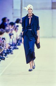 Comme des Garçons Spring 1992 Ready-to-Wear Fashion Show - Nadège du Bospertus