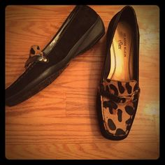 Anne Klein black patent leather cheetah loafers Anne Klein black patent leather iFlex cheetah loafers. So cute & comfy! Rubber soles. Gold tone hardware. Excellent condition. Size 6.5. ❤️NO TRADES❤️ Reasonable offers accepted via offer button.❤️ Anne Klein Shoes Flats & Loafers