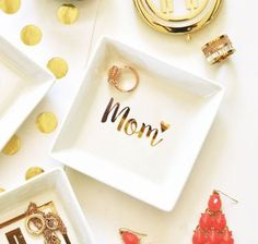 Why not get something cute with a touch of glam for mom on Mother\'s Day? Check out our Mother\'s Day collection. This dish comes with a gold heart gift box too. Plus there\'s a 20% off Mother\'s Day Sale too!   #glamlifedreaming #MothersDay #MothersDay2017 #mothersdaygifts #gifts #gift #shop #shopnow #shopping #giftideas #giftshop #giftsinspiration #giftguide #onlineshopping #gifting #livethelittlethings #thehappynow #abmlifeisbeautiful #makeyousmilestyle #thatsdarling #glitterguide #pursuepretty #pretty #cute #lifestyle #giftsforwomen #giftforher #flashesofdelight #livecolorfully #love #handmade