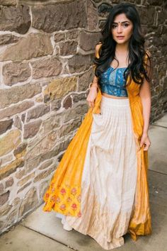 Lehenga Designs Simple, Wedding Lehenga Designs, Simple Lehenga, Half Saree Designs, Kurti Designs Party Wear, Party Wear Indian Dresses, Indian Fashion Dresses, Indian Bridal Fashion, Dress Indian Style