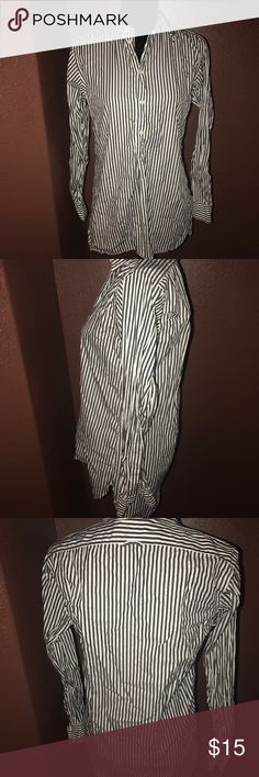 Polo Ralph Lauren tunic blouse size xs Polo Ralph Lauren pullover tunic size xs black and white strips other then being ringle, the blouse is an excellent condition Polo by Ralph Lauren Tops Blouses