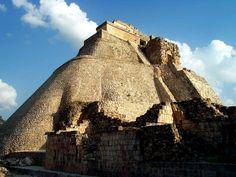 Uxmal, famosa zona arqueológica de Cancún. Encuentra más lugares de Cancún en http://www.1001consejos.com/guia-de-viajes-que-hacer-en-cancun