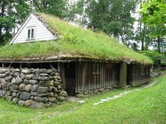 Traditional Grass Green Roofs in Norway