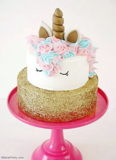 DIY Unicorn Birthday Cake – Learn how to make this wonderful cakes for a girl birthday snack! It& super easy and fun! by BirdsParty. Diy Unicorn Birthday Cake, Easy Unicorn Cake, Unicorn Cake Pops, Cake Birthday, Fat Unicorn, Unicorn Cakes, Girl Birthday, Easy Buttercream Frosting, Lemon And Coconut Cake