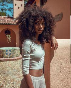 Curly Hair Natural Hair Styles Natural Hair Natural Hairstyles Hair Inspiration Black Women Black Girl Afro Fashion Make up - April 13 2019 at Natural Hair Types, Pelo Natural, Natural Hair Care, Natural Styles, Natural Beauty, Natural Black Hair, Fine Natural Hair, Natural Fashion, Curly Hair Styles