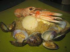 choucroute de la mer: crustacés et fruits de mer, sauce au beurre citronné