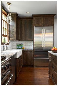 Dark Stained Cabinets, Dark Wood Kitchen Cabinets, Backsplash With Dark Cabinets, Dark Wood Kitchens, Brown Kitchens, Home Kitchens, Kitchen Backsplash, Shaker Cabinets, Kitchen Wood