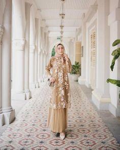 Kebaya Modern Hijab, Kebaya Hijab, Kebaya Dress, Dress Pesta, Model Kebaya Modern, Dress Brokat Muslim, Dress Brokat Modern, Muslim Dress, Dress Brukat