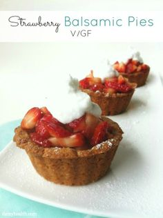 Strawberry Balsamic Sugar Cookie Mini Pies http://www.damyhealth.com/2013/03/17-clean-pie-and-square-recipes/