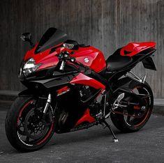 ḹ₥קᎧƧƨῗɓŁḕ Suzuki Bikes, Suzuki Motorcycle, Yamaha Bikes, Yamaha R6, Motorcycle Helmets, Triumph Motorcycles, Suzuki Gsx R 1000, Ducati, Motocross