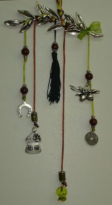 Χειροτεχνημα - Handmade: Γούρια για πόρτα Christmas Crafts, Christmas Decorations, Xmas, Dream Catcher, Charmed, Drop Earrings, Jewelry, Dreamcatchers, Jewlery