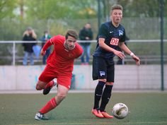 #Ergün #Cakir rennt zum Ball. | Halbfinale Axel Lange Pokal: BAK 07 vs. #HerthaBSC (Saison 14/15) - Ergebnis: 5:6 Niederlage n.E.