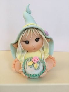 Ternurita !. Polymer Clay Animals, Polymer Clay Dolls, Polymer Clay Projects, Clay Crafts, Diy And Crafts, Palmer Clay, Biscuit, Elf Doll, Tic Tac Toe Game