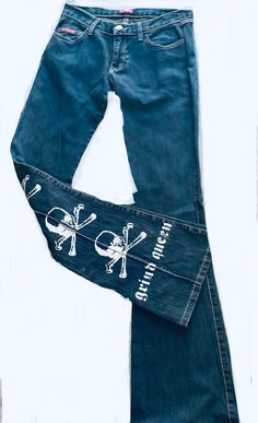 hippie type look with skull & bones on the back of leg inseam Autumn Fashion, New Fashion, Fashion Outfits, Clothing Items, Piece Of Clothing, Pretty Outfits, Cool Outfits, Alternative Outfits, Look Cool