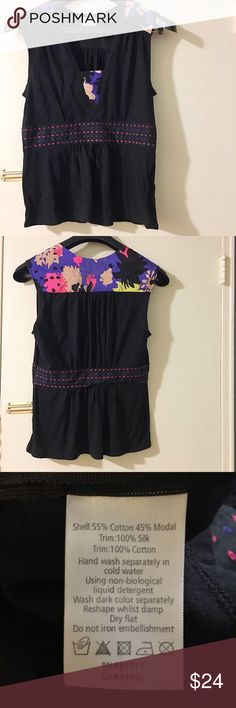 "Plenty by Tracy Reese floral accent sleeveless top Very good pre-loved condition. A very soft jersey-like material. Approx 34"" bust, 24"" length. Side zipper. ✅offers❌trades/PP💰make an offer on bundles Plenty by Tracy Reese Tops Blouses"