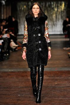 Altuzarra Fall 2012 collection inspired by Italian comic hero Corto Maltese. This collection show a source of the man costume jacket. Also, reassembles a guardaroba  (sett of clothing made up of three garments: two layers of indoor clothing and a mantle for outdoors .