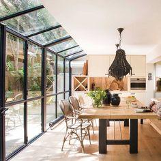 Cerrar el porche y ganar un precioso comedor Dream Home Design, My Dream Home, Home Interior Design, Interior And Exterior, House Design, Living Haus, House Extension Design, House Extensions, Glass House
