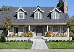 Canada House, Plans Architecture, Front Walkway, Archi Design, Classic House, Second Floor, Old Houses, Facade, House Plans