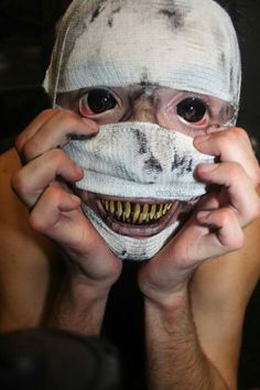 fx makeup- This is absolutely terrifying! I especially love those contacts!