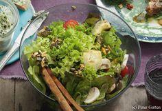 Bunter Salat mit Kernkrokant