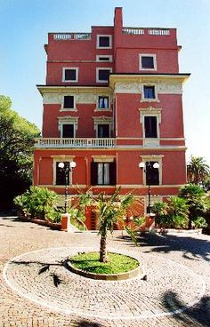 Hotel Miramare  http://www.albergo-miramare.it