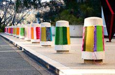 Magda Sayeg est la créatrice des Knitta Please, une sorte de gang de tricoteuses texanes !