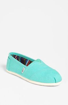 a pair of Toms (okay so what if I don't have a pair myself?)