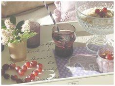 PERNILLES INTERIØRSYSLER! Chocolate Fondue, Alcoholic Drinks, Wine, Glass, Desserts, Food, Tailgate Desserts, Deserts, Drinkware