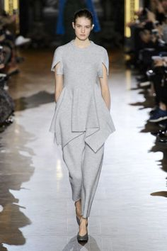 Stella McCartney Fall 2015. See all the best runway looks from Paris Fashion Week here: