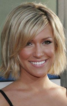coiffure femme cheveux courts faux Bob avec frange
