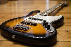 Bassgitarre, Bass, E-Bass