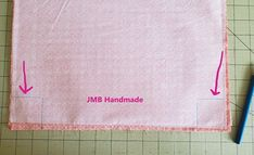 How to Make a Simple Tote Bag - JMB Handmade Diy Fabric Purses, Diy Bags Purses, Fabric Wallet, Easy Tote Bag Pattern Free, Free Pattern, Diy Bags Patterns, Handbag Patterns, Sewing Patterns, Diy Tote Bag