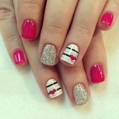 Heart Nail Art Designs 2018 - Our Nail Designs Fancy Nails, Love Nails, Pretty Nails, My Nails, Hair And Nails, Valentine's Day Nail Designs, Simple Nail Designs, Nails Design, Pedicure Designs