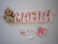 Plaque de porte Bebe fille pour Nahia : Décoration pour enfants par sweetfelt