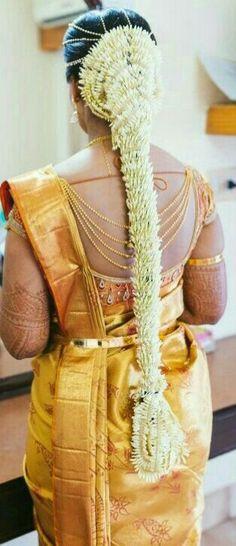 Trendy Bridal Wear Bridal Makeup in India Best Wedding Photographer Pre Wedding Photo Shoot South Indian Wedding Hairstyles, Indian Hairstyles, Bride Hairstyles, Wedding Saree Collection, Bridal Hairdo, Bridal Blouse Designs, Bridal Hair Flowers, Hair Decorations, Indian Beauty Saree