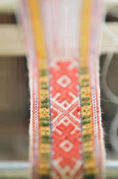 Handwoven sash for Latvian folk costume gorgeous Inkle Weaving, Inkle Loom, Card Weaving, Basket Weaving, Tablet Weaving Patterns, Lesage, Passementerie, Illustrations, Barnet
