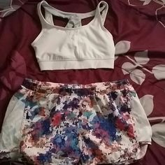 Workout bundle Sportsbra with padding bu old navy active and wimdbreaker shorts also bu old navy active. Both never worn. Other