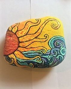 Sun and Seas hand painted stone Lay Lake Alabama Beach waves One of a kind Acrylic paint Sun and Seas hand painted stone Lay Lake Alabama Beach waves One of a kind Acrylic paint Diana Opfermann dianaopfermann nbsp hellip Painting meer Pebble Painting, Pebble Art, Stone Painting, Hand Painting Art, Rock Painting Designs, Paint Designs, Rock Painting Patterns, Rock Crafts, Arts And Crafts