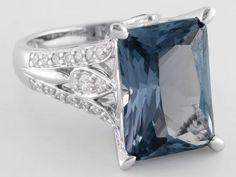 Bella Luce (R) Esotica (Tm) Alexandrite Simulant & White 10.08ctw Rhodium Plated Silver Ring